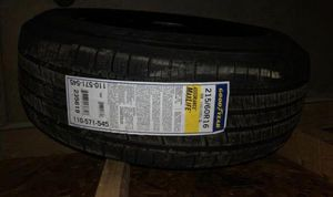 A New Goodyear Assurance Maxlife Tyre - 215/60R16 95V MAXLIF for Sale in Ontario, OH