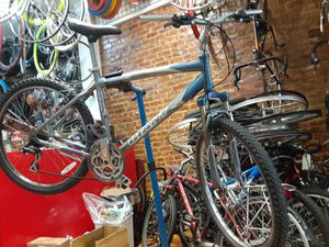 Giant mountain bike W/S 26 for Sale in New York, NY