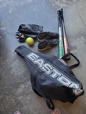 Softball set for Sale in Marysville, WA