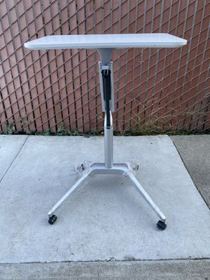 Stand up adjustable desk, $120.00 for Sale in Hayward, CA