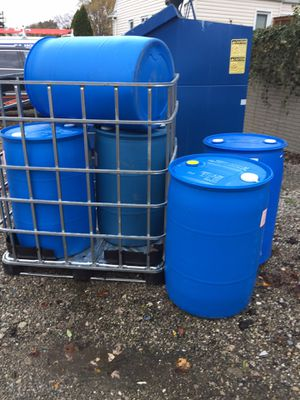55 Gallon Plastic Barrels for Sale in Grosse Pointe Park, MI