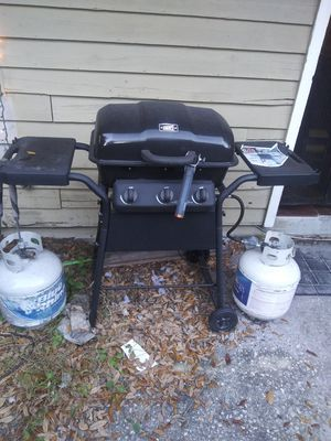 BBQ grill with two tanks for Sale in Dunedin, FL