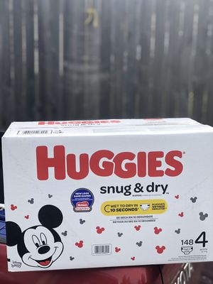 HUGGIES SNUGGLERS DIAPERS SIZE 4 for Sale in Tacoma, WA