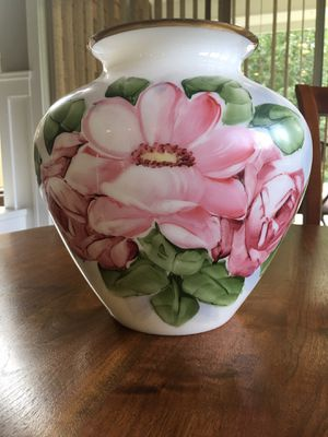 """Antique milk glass vase with hand painted flowers. 10"""" tall, 6"""" diameter at top of opening. for Sale in Ridgefield, WA"""