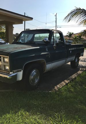 1987 Chevy 454 got rust for Sale in Miami, FL