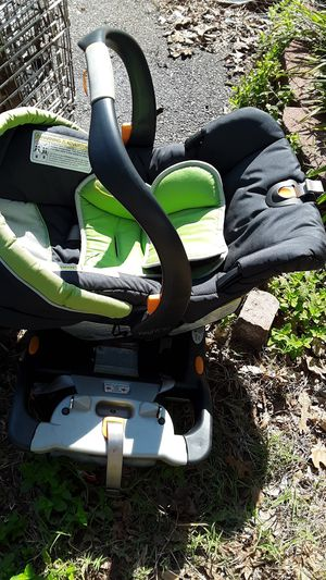 Green car seat Chico for Sale in Jamestown, NC
