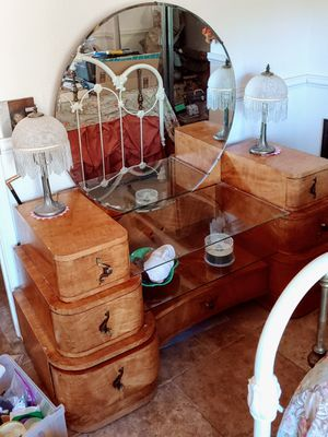 Dressing Table, 7 deep drawers for Sale in Tempe, AZ