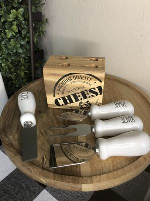 New Rae Dunn CHEESE UTENSILS SET & BLOCK for Sale in San Bernardino, CA
