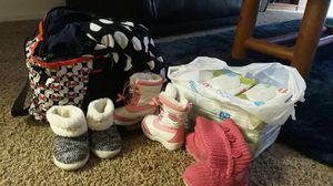 6 unopened wipes. 18m-2t girl clothes (great condition)and boots for Sale in Magna, UT