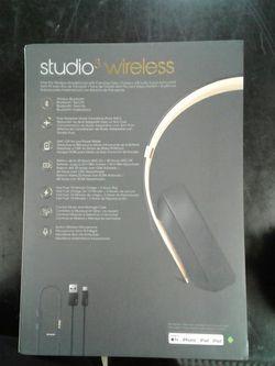 Beats studio 3 wireless headphones for Sale in San Antonio,  TX