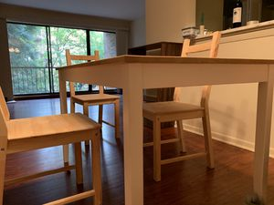 Table and Chairs set for Sale in Darien, IL