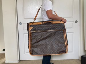 Louis Vuitton garment bag for Sale in San Diego, CA
