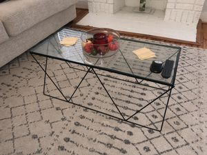Small coffee table for Sale in Houston, TX