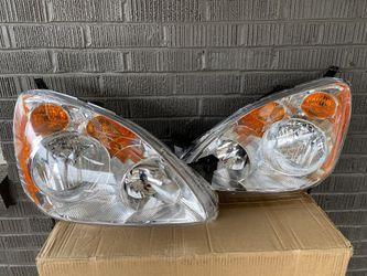 05-06 CRV headlights Brand new in box ! for Sale in Everett,  WA