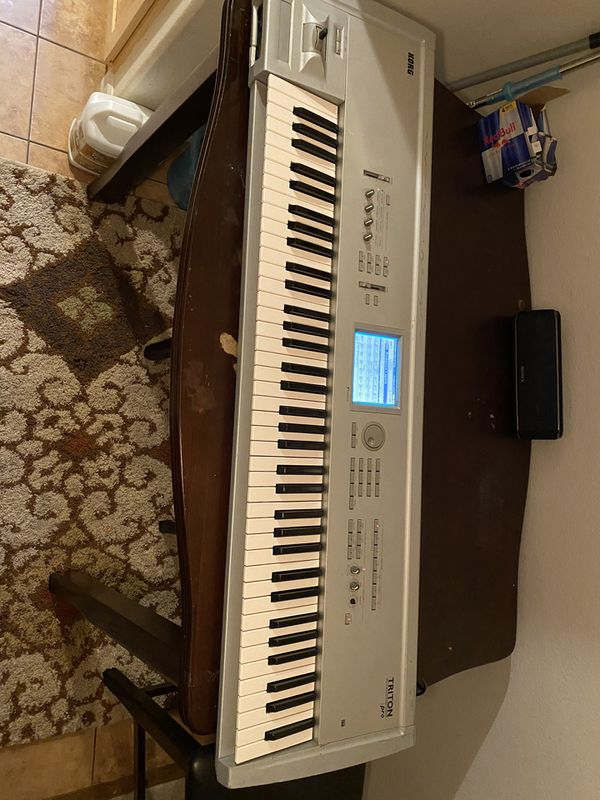 Korg Triton 76 Key W/Stand and Exp Boards