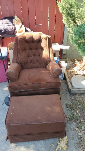 Relaxing chair for Sale in Willows, CA