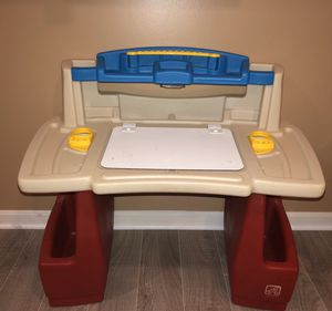 Step 2 Deluxe Art Master Desk for Sale in Chantilly, VA