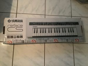 Yamaha reface mini mobile keyboard for Sale in Biscayne Park, FL