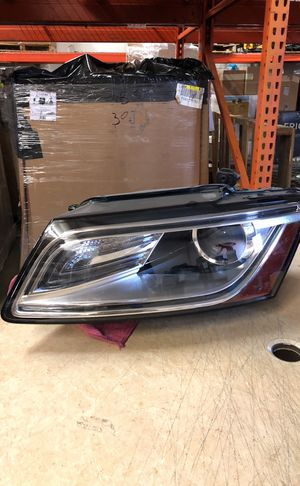 Audi q5 headlight for Sale in Los Angeles, CA