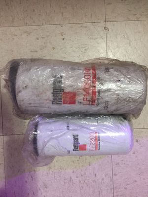 Oil LF 14000Nn and fuel filter FF2200 ,New for Sale in Chicago, IL