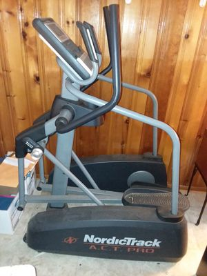 Nordictrack act pro elliptical machine - broken display screen for Sale in Palmyra, PA