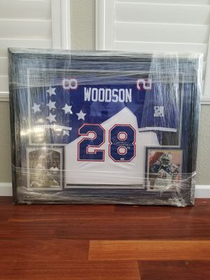 Darren Woodson signed jersey & photos for Sale in Hayward, CA