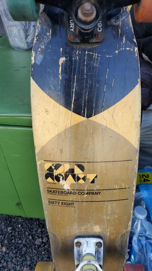 Gold coast 68cm skateboard for Sale in Show Low, AZ