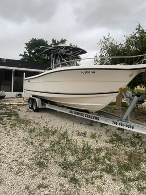 2004 Pursuit 2670 cuddy console for Sale in Hialeah, FL