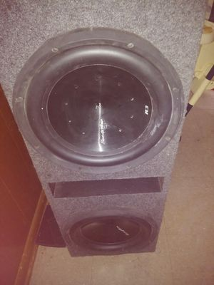 Phenoix gold 12in subwoofer with housing for Sale in GRANDVIEW, OH