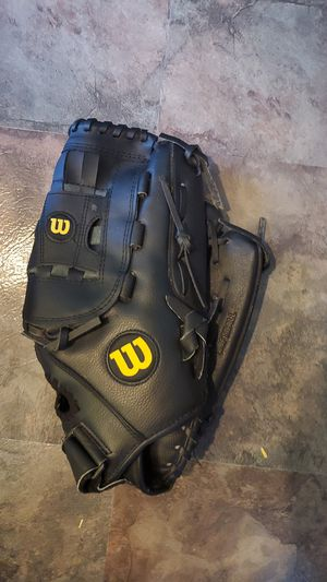 Mens glove for Sale in Arnold, MO
