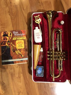 Blessing Scholastic Trumpet Plays, Great, Sounds Amazing Excellent Condition No scratches no dents for Sale in Fremont, CA