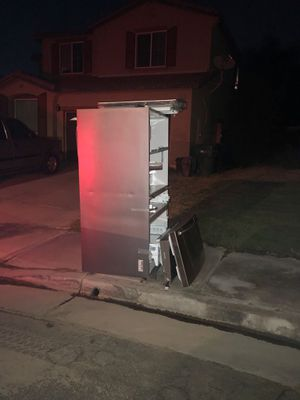 NON working fridge FREE for Sale in Corona, CA