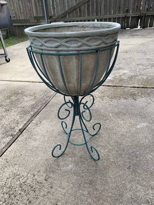 Flower pot w/stand for Sale in Kyle, TX