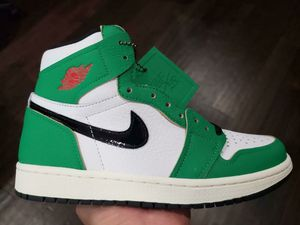 Nike Jordan 1 Retro high lucky green women size 8 & 8.5 delivery available for Sale in Norco, CA