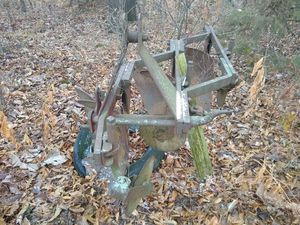 3 blade deep plow for Sale in Monroe City, MO