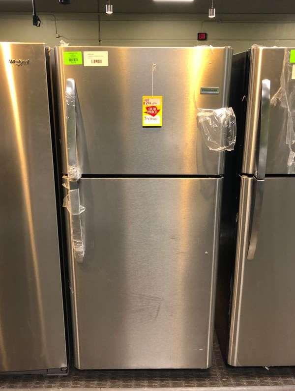 Frigidaire Top Freezer Refrigerator TKO91