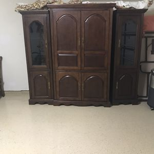 TV Entertainment & Storage Center for Sale in Spring, TX