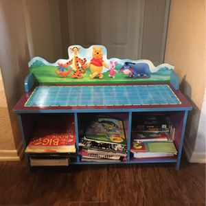 Winnie the Pooh Book/toy Organizer for Sale in Chino Hills, CA