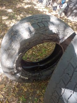 1 used tire. 2018. Inside wear due to mis alignment. Free for Sale in Beverly Hills,  TX