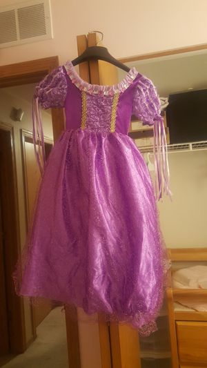 Rapunzel dressess and hair piece for Sale in Carpentersville, IL