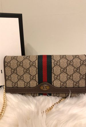 Gucci cross bag for Sale in Worcester, MA