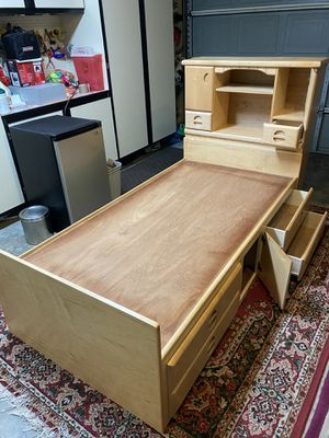 Twin bed furniture excellent condition - solid wood for Sale in Fremont, CA