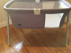 Chicco Lullago portable bassinet for Sale in Newton, MA