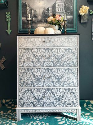 White & Gray Dresser—-Free Delivery for Sale in Washougal, WA