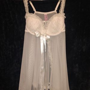 Victoria's Secrets Sexy Little Things Size 34B Beige Or Creme Color Rich Quality Spice Up Your Night Life With This Sexy Lingerie for Sale in Chicago Ridge, IL