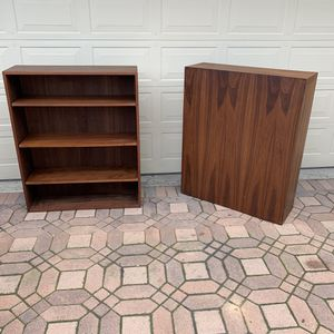 Pair of Mid Century Walnut bookcases - Vintage MCM 1960's for Sale in Seal Beach, CA