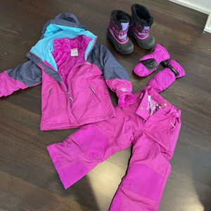Sorel Snow Boots + Columbia Snow Gear XXS 4/5 for Sale in Oregon City, OR