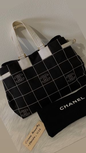 Authentic CHANEL Large Canvas Tote for Sale in Fort Lauderdale, FL