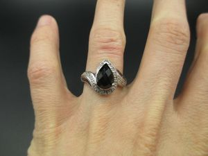 Vintage Size 7 925 Sterling Silver Onyx & Diamond Band Ring Luxury Beautiful Stunning Statement Gift Idea Classic Precious for Sale in Everett, WA