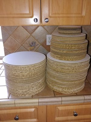 Bases para pasteles, blancos y dorados, Bases for cakes!! White adn gold for Sale in Hialeah, FL